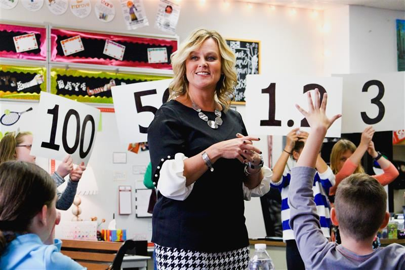 State School Superintendent and Treasurer visit PGES