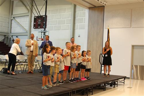 WGES Students lead the Pledge of Allegiance